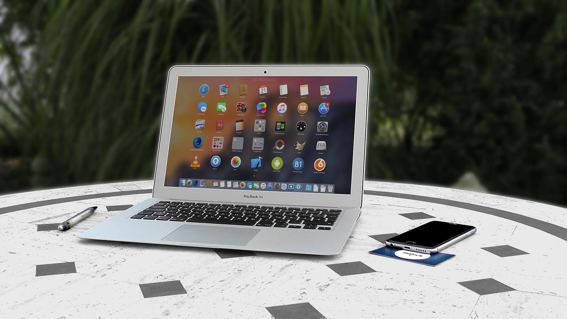 Freelancer laptop web