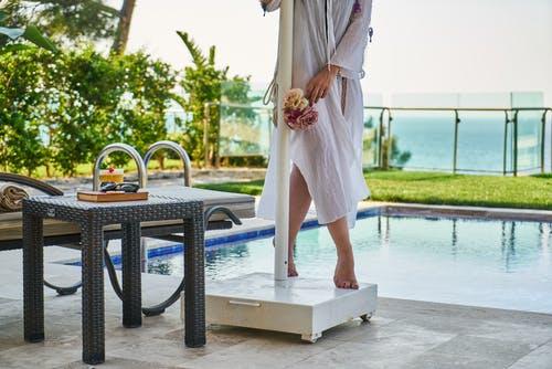 Přípravky na udržování i pravidelné čistění vody v bazénech