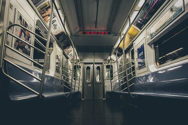 vlaková souprava metra